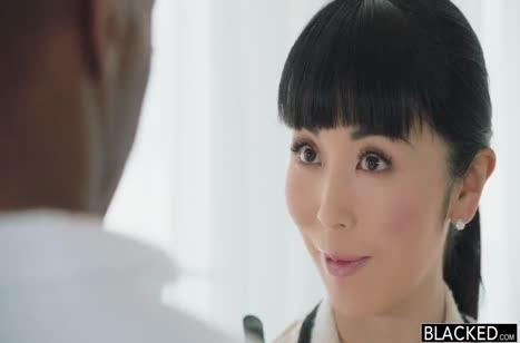 Марика Хасэ принарядилась к порно свиданию с негром