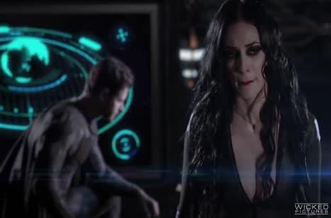 Бэтмен и Супермен отдрючили грудастую красотку Чудо женщину