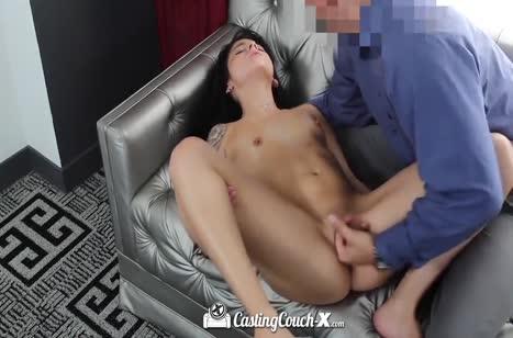 Скромная молодая брюнетка Сейди Поп попробовала себя в порнухе №5