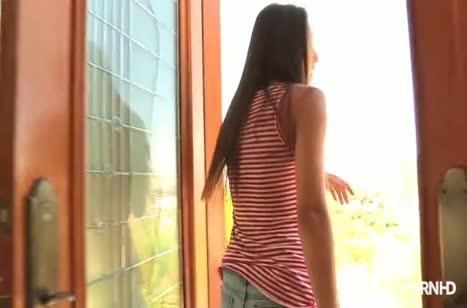Сексуальные девочки возбудились на оргию после бассейна