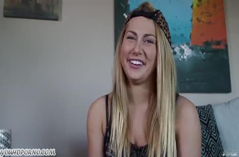 Блондинка Картер Круз умеет делать минет и обожает сперму