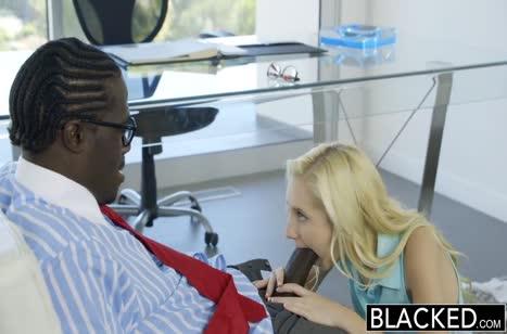Представительный черный мужик хорошо засадил в Odette Delacroix №3