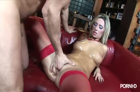 Блонди в красных чулочках прыгает на большом члене №2