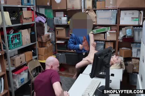 Мэдисон Харт наказывают страстным сексом в кладовке №5