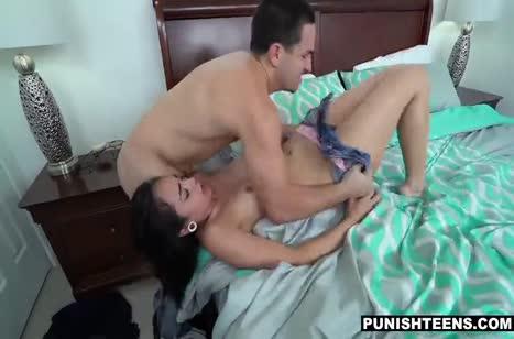 Злой очкарик устроил с Malina Mars дикое порно в стиле БДСМ №4