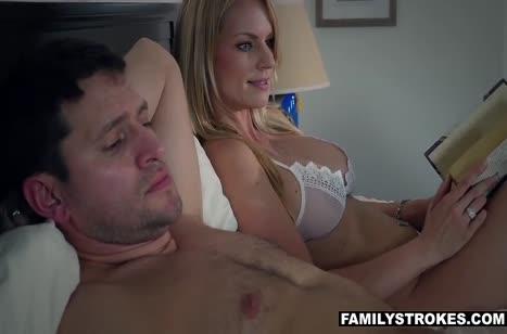 Пока жена спит муж рядом приходует настойчивую любовницу